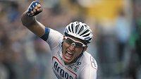 Německý jezdec Marcel Kittel slaví vítězství v poslední 21. etapě stého ročníku cyklistické Tour de France.