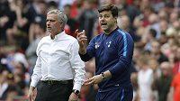 Nový trenér Tottenhamu José Mourinho (vpředu) střídá Argentince Mauricia Pochettina, který byl u Spurs od roku 2014.