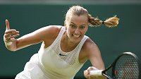 Petra Kvitová během úvodního kola Wimbledonu.