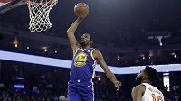 Nejužitečnější hráč loňského i letošního finále NBA Kevin Durant se podle zámořských médií domluvil s vedením basketbalistů Golden State na nové dvouleté smlouvě.