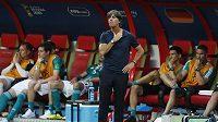 Joachim Löw byl bezprostředně po porážce Německa s Jižní Koreou, která znamenala konec jeho týmu na MS, hodně zklamaný
