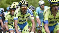 Italský cyklista Ivan Basso (v popředí) na letošní Tour de France, ještě před tím, než odstoupil.