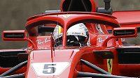 Německý pilot Sebastian Vettel vyrazí v neděli do Velké ceny Ázerbájdžánu z první pozice na startovním roštu.