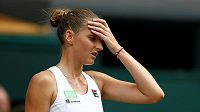 Česká tenistka Karolína Plíšková ve druhém kole Wimbledonu, v němž senzačně prohrála.