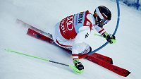 Rakouský lyžař Marcel Hirscher při jízdě v 1. kole slalomu ve Wengenu.