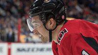 Hokejista Mark Stone se dohodl na novém kontraktu se Senators.