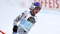 Česká lyžařka Ester Ledecká v cílovém prostoru krátce po pádu ve sjezdu Světového poháru ve švýcarské Crans Montaně.