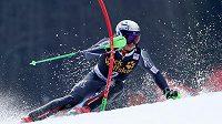 Norský lyžař Henrik Kristoffersen v akci při závodu SP ve slalomu v Kranjské Goře.