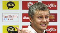 Ole Gunnar Solskjaer byl oficiálně představen jako trenér Cardiffu City.