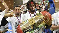 Nymburští hráči slaví zisk titulu.