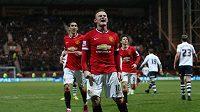 Útočník Manchesteru United slaví svůj gól do sítě Prestonu v osmifinále FA Cupu.