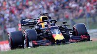 Kvalifikaci na Velkou cenu Maďarska formule 1 vyhrál Max Verstappen z Red Bullu a poprvé v kariéře odstartuje do závodu MS z prvního místa.