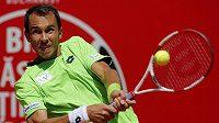 Český tenista Lukáš Rosol si v žebříčku ATP pohoršil o osm míst.
