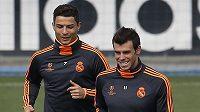 Hvězdy Realu Madrid Cristiano Ronaldo (vlevo) a Gareth Bale.