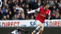 Tomáš Rosický zůstane v Arsenalu ještě další sezónu.