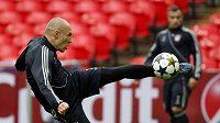 Hvězda Bayernu Arjen Robben při tréninku ve Wembley.