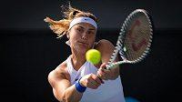 Běloruska Aryna Sabalenková na turnaji v Adelaide.