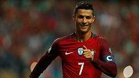 Portugalec Cristiano Ronaldo oslavuje gól proti Faerským ostrovům v kvalifikaci o MS 2018.
