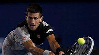 Novak Djokovič v zápase o semifinále se Stanislasem Wawrinkou.