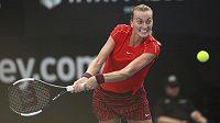 Česká tenistka Petra Kvitová v akci během vítězného finále turnaje WTA v australském Sydney.