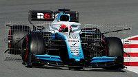 Robert Kubica s williamsem během testů v Barceloně.