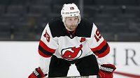 Po 15 sezonách v NHL ukončil v 36 letech hokejovou kariéru kanadský útočník Travis Zajac.