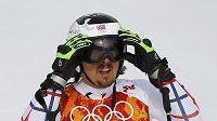 Ondřej Bank v cíli prvního kola obřího slalomu na OH v Soči.