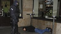Policie zasáhla v centru Plzně proti agresivním fanouškům CSKA Moskva.