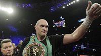 Tyson Fury se raduje z titulu WBC,.