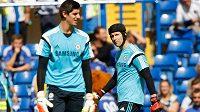 Odejde Petr Čech (vpravo) kvůli Thibautu Courtoisovi z Chelsea?