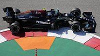Fin Valtteri Bottas během prvního tréninku na Velkou cenu Ruska vozů formule 1.