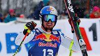 Ital Dominik Paris se raduje z triumfu ve slavném sjezdu v Kitzbühelu