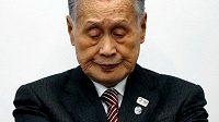 Předseda organizačního výboru olympijských her v Tokiu Joširo Mori kvůli nedávným sexistickým poznámkám odstoupil z funkce.