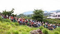 Závod žen v cross country na olympijských hrách v Tokiu.