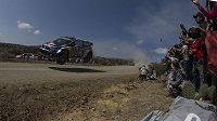 Jari-Matti Latvala s Volkswagenem Polo WRC na trati Mexické rallye.