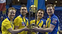 Švédové s pohárem pro vítěze.