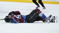 Útočník Columbusu Nick Foligno dostal v NHL zákaz startu ve třech zápasech za faul loktem v sobotním utkání na ledě Colorada na domácího hokejistu Pierra-Edouarda Bellemarea (na snímku).