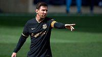 Barcelonský Lionel Messi ostré zákroky soupeřů z Villarrealu ve španělské lize ustál a zápas dohrál.