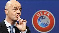 Generální sekretář UEFA Gianni Infantino je jako obvykle jednou z hlavních tváří losování.
