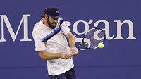 Americký tenista Reilly Opelka během zápasu 3. kola na US Open.