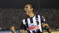 Hráč Monterrey Severo Meza se raduje z gólu.