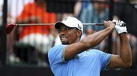 Golfistovi Woodsovi se na turnaji ve Firestonu opravdu daří.