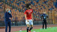 Egyptský reprezentant a hráč Arsenalu Londýn Muhammad Alnaní během kvalifikace mistrovství Afriky proti Togu.