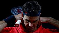 Švýcarský tenista Roger Federer během zápasu 3. kola na French Open.