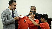 Novým koučem fotbalistů Kostariky je Uruguayec Gustavo Matosas.