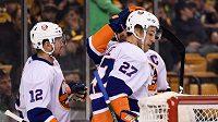 Anders Lee z New York Islanders využil nabídky, kterou mu předložili brankář Tuukka Rask a Brad Marchand z Bostonu.