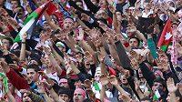 V Ammánu byla na stadiónu bouřlivá atmosféra.
