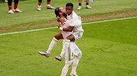 Radost fotbalistů Realu Madrid po vítězném gólu. Střelec Sergio Ramos proměnil penaltu a Bílý balet vyhrál v Bilbau.