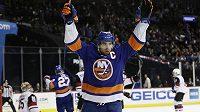 Útočník hokejistů New Yorku Islanders John Tavares byl vyhlášen nejlepším hráčem uplynulého týdne NHL.