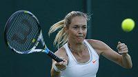 Česká tenistka Klára Zakopalová během Wimbledonu.